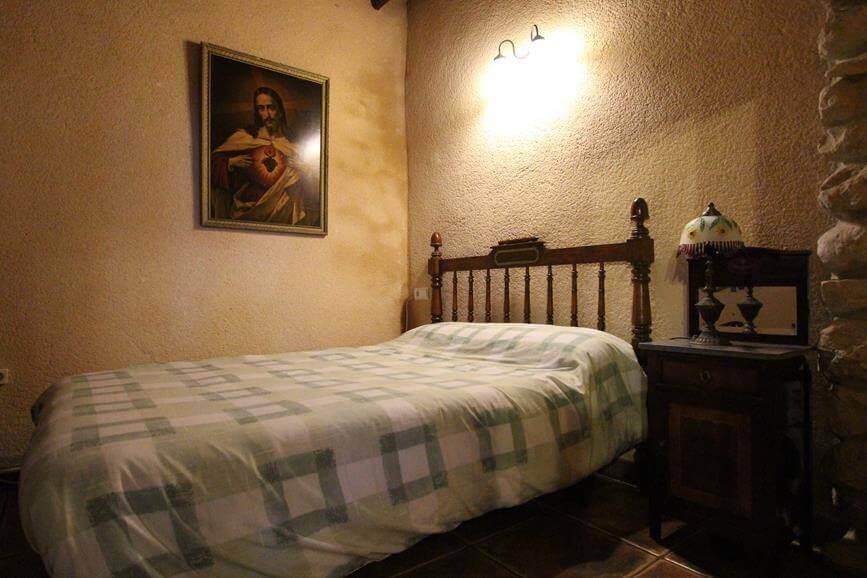 Habitacion Matrimonio Izq. Casa Rural Cal Rull en Benirrama